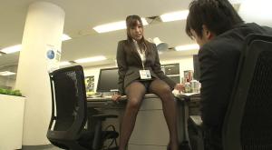 【ブラック企業に勤める僕は残業だらけの毎日…でも可愛いあの娘と一緒なら我慢できる!】のアダルト天国を見る