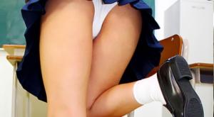 【女子校生の脚でヌかれたい!!たっぷり4時間】のアダルト天国を見る