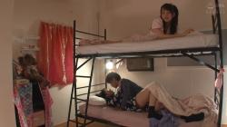 【姉と彼氏が2段ベッドでSEXしている姿を見てしまい】のアダルト天国を見る