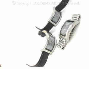 この鋭いカーブ形状が今までの腕時計の常識を覆した!美しいカーブが描く美しいデザイン♪