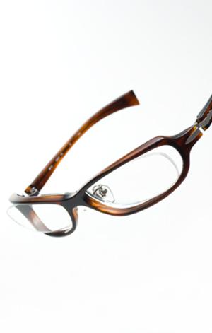 999.9 フォーナインズ Four Nines NP-51 優れたデザインと機能を持ち合わせた次世代眼鏡の筆頭 荒川時計店 アラカワ時計店 静岡