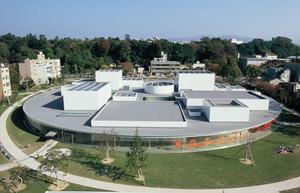 石川県は金沢市にある有名な美術館の『21世紀美術館』です♪