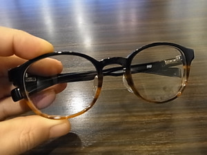 今回もお勧めの丸メガネのNP-101☆またこれが凄く素敵☆