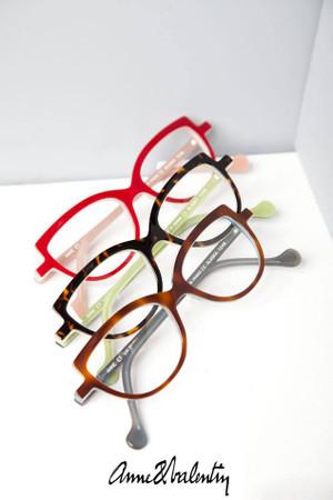特徴的でも可愛さは半端なじゃないこのアンバレンタイン!!!やっぱり素敵な眼鏡ブランド☆