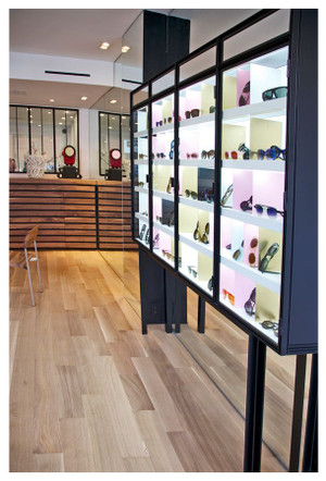 店内の一部♪広々としていてゆっくりとお気に入りの一本が選べそう☆Anne et Valentin(アン・バレンタイン)