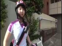 【素人ナンパ動画】都内を自転車で駆け回るメッセンジャーのお姉さんをシロウトハンターが捕まえました!