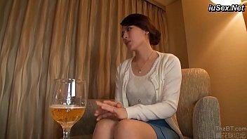 【妻の下着姿50代記帳】高級ホテルで旦那以外の男性と不倫セックスで激しく乱れちゃう四十路の妻