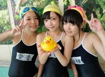 【スクール水着女子動画】都内の水泳教室に通う初潮を迎えたばかりの初心な女子達がコーチと種付け6PSEX!