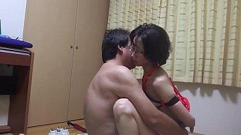 【熟年夫婦の営み動画】貧乳でガリガリだけだと未だに夫とは週3で愛し合ってるラブラブな熟年夫婦です!