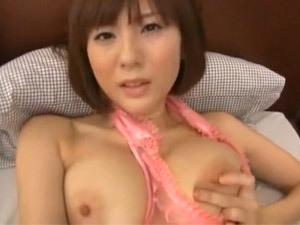 麻美ゆま 「昨日ケンカしたのを謝りたくて…」自分のオナニー動画を彼氏にプレゼントする巨乳お姉さん