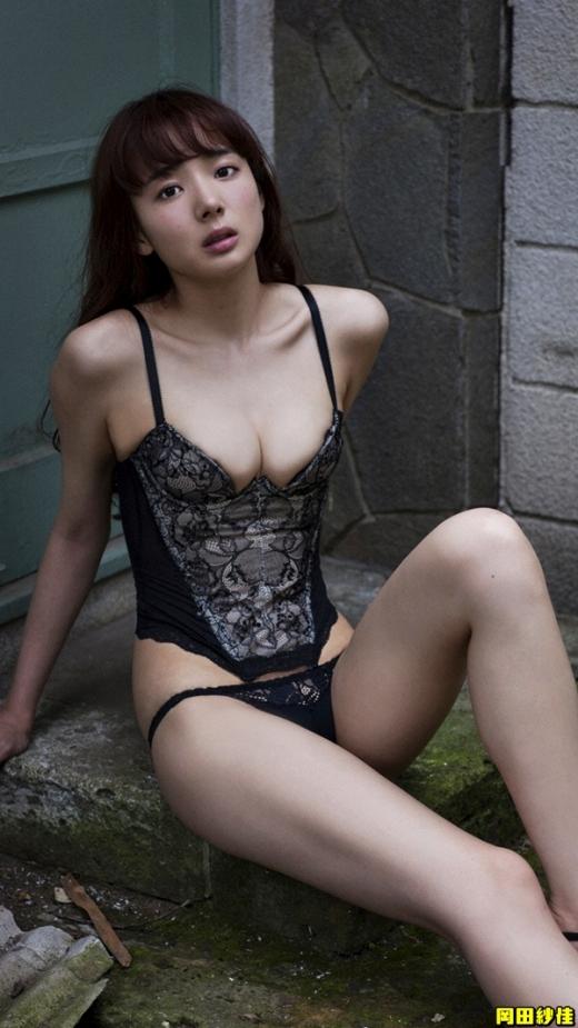 岡田紗佳の画像です032