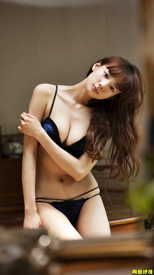 岡田紗佳の画像です036