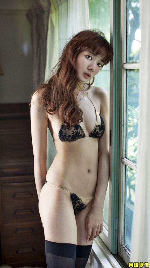 岡田紗佳の画像です037