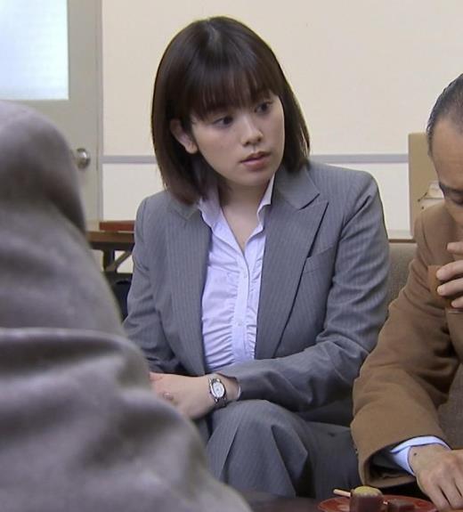 筧美和子 サスペンスドラマでの着衣おっぱい