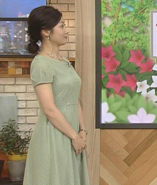 桑子真帆アナ 横乳がエロ過ぎのワンピース