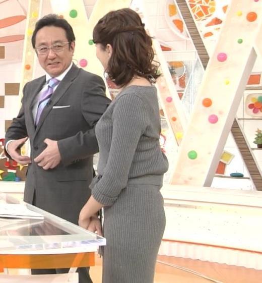 永島優美アナ ニットのワンピースの横乳・横尻