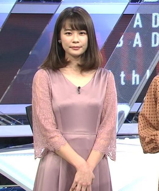 鈴木唯アナ おっぱいがエロい衣装