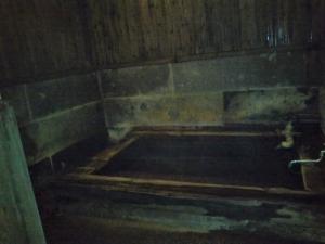 御客屋、貸切家族風呂、檜風呂。