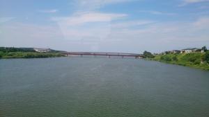 米代川を渡る。