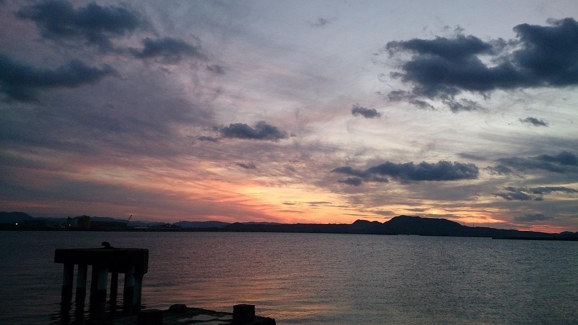 中海 夕景