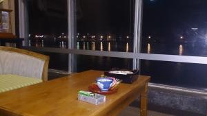 海辺の宿 清力、ロビー 夜
