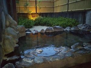 鷹の家、貸切家族風呂、檜風呂、露天。