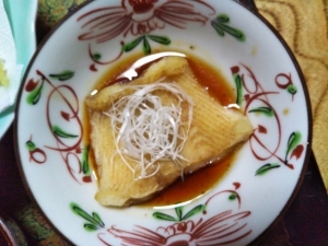 鷹の家、夕食料理4 カレイ煮物