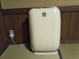 御客屋、部屋、空気清浄機。