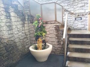 伊東パウエル、大浴場、露天風呂への階段