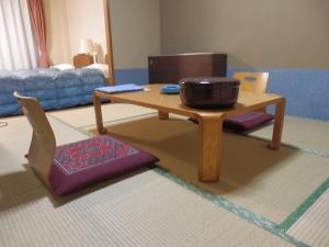 伊東パウエル、部屋、和室
