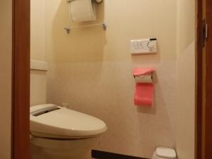 鷹の家、部屋、トイレ。