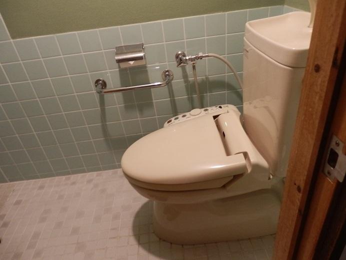 つるや隠宅、部屋、トイレ。