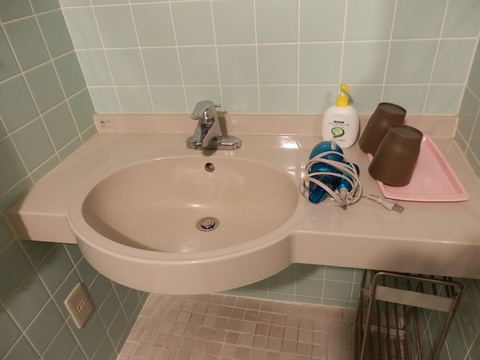 つるや隠宅、部屋、洗面台。