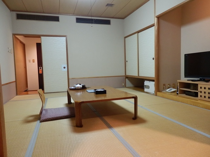 別府湯の宿ゆるり、部屋2.