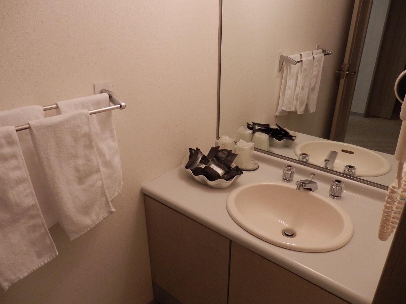 ホテルアンビエント蓼科、洗面台。