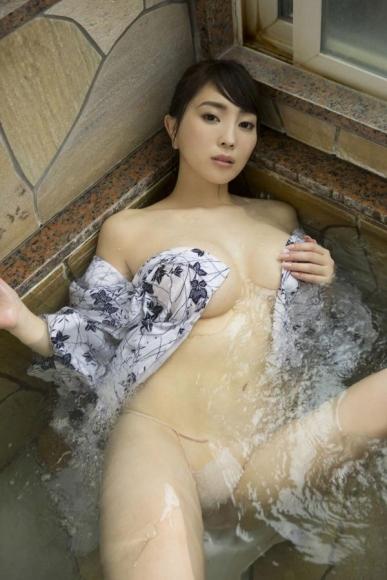 森咲智美 「ハイスペックSEXY美女としっぽり温泉 061 058