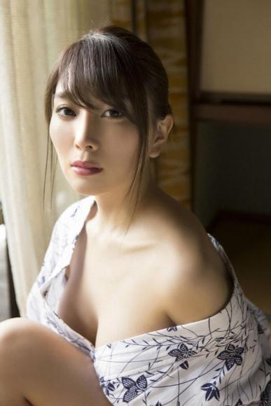 森咲智美 「ハイスペックSEXY美女としっぽり温泉 068 065
