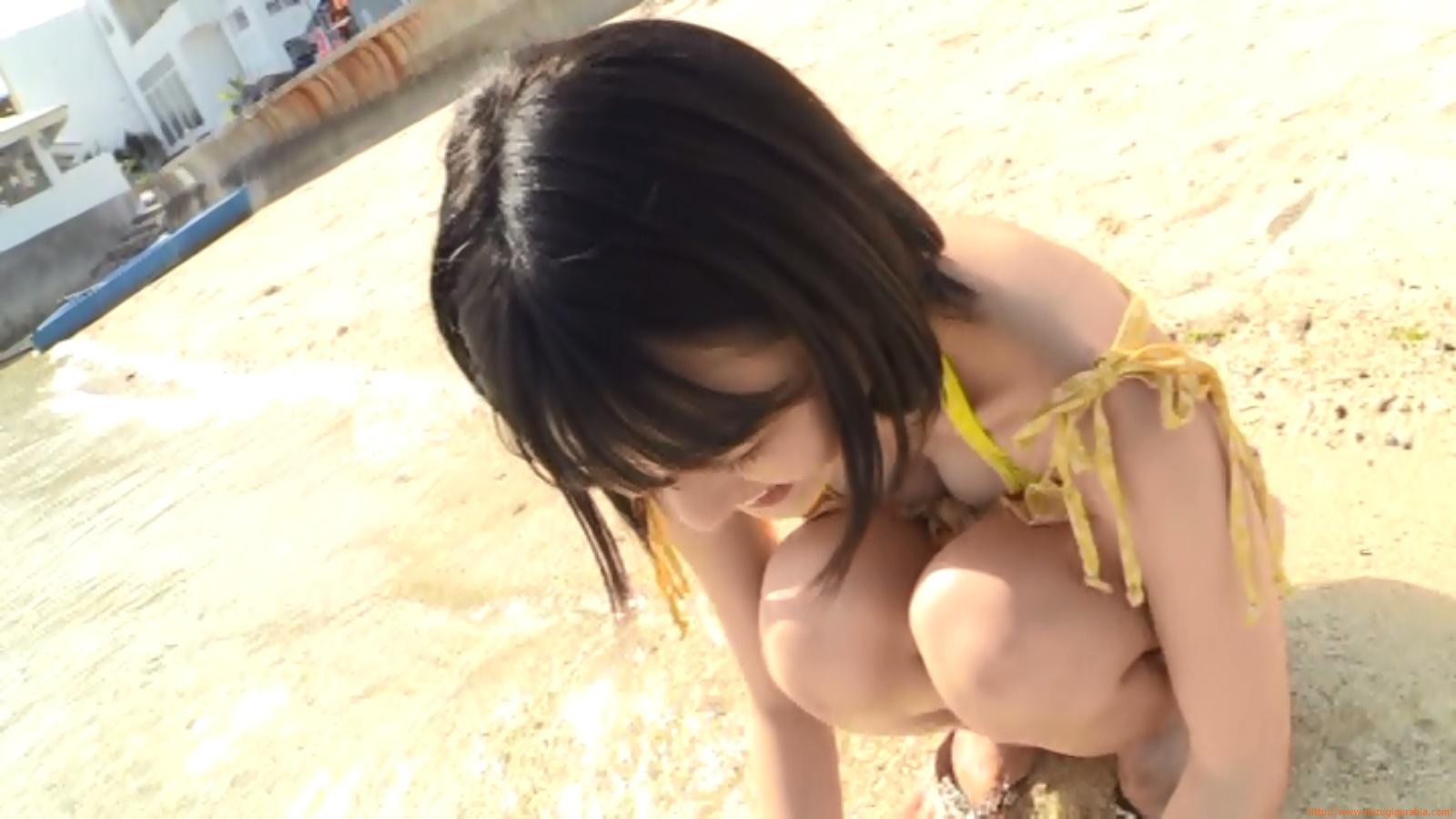 Beach dating078