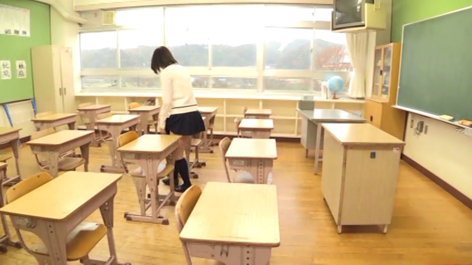 Two-person classroom033