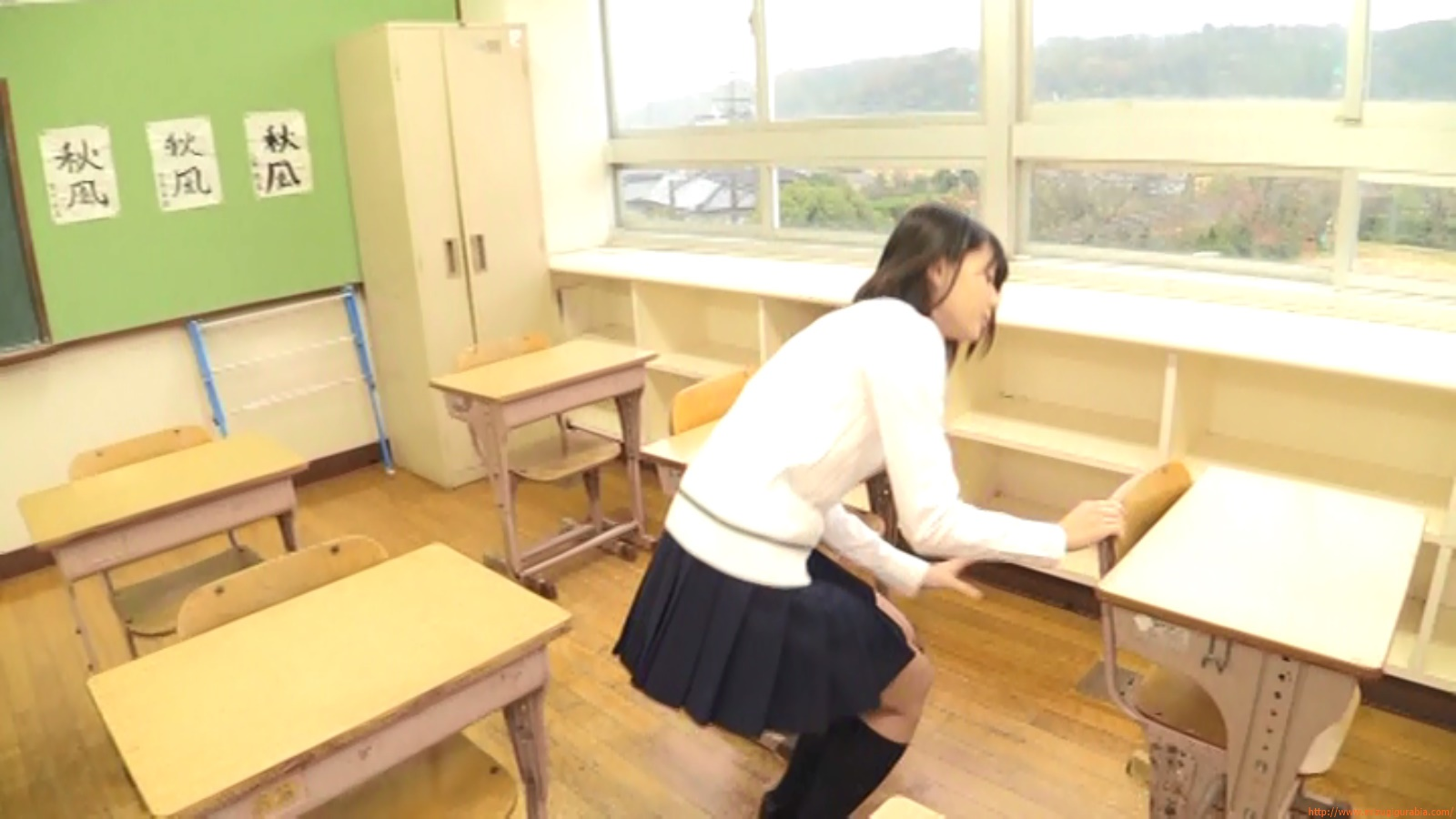 Two-person classroom042
