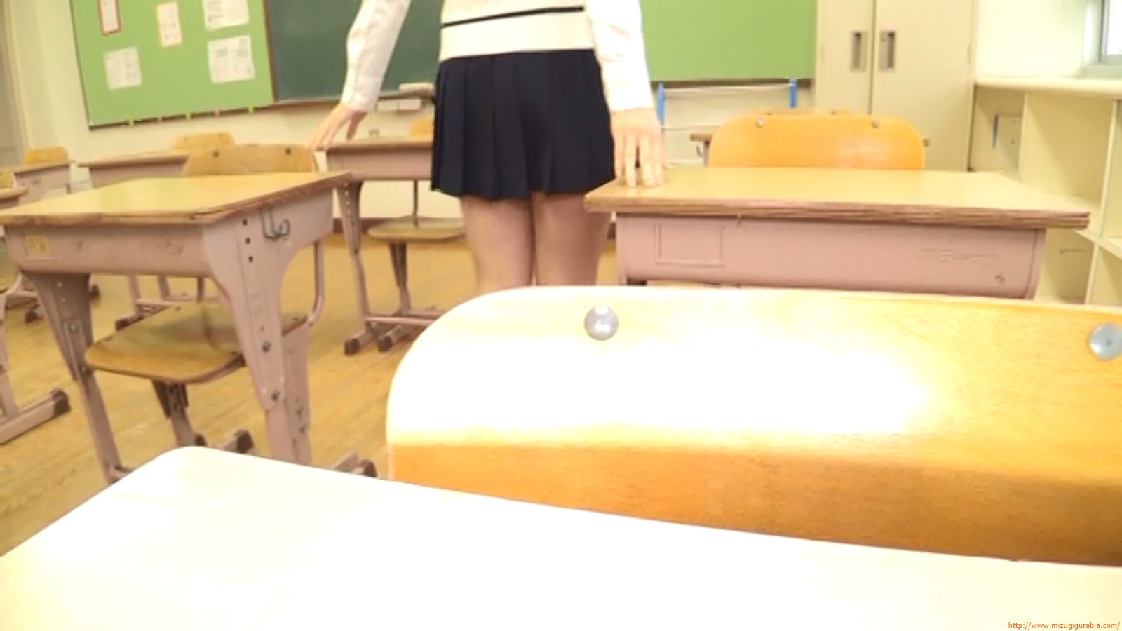 Two-person classroom051