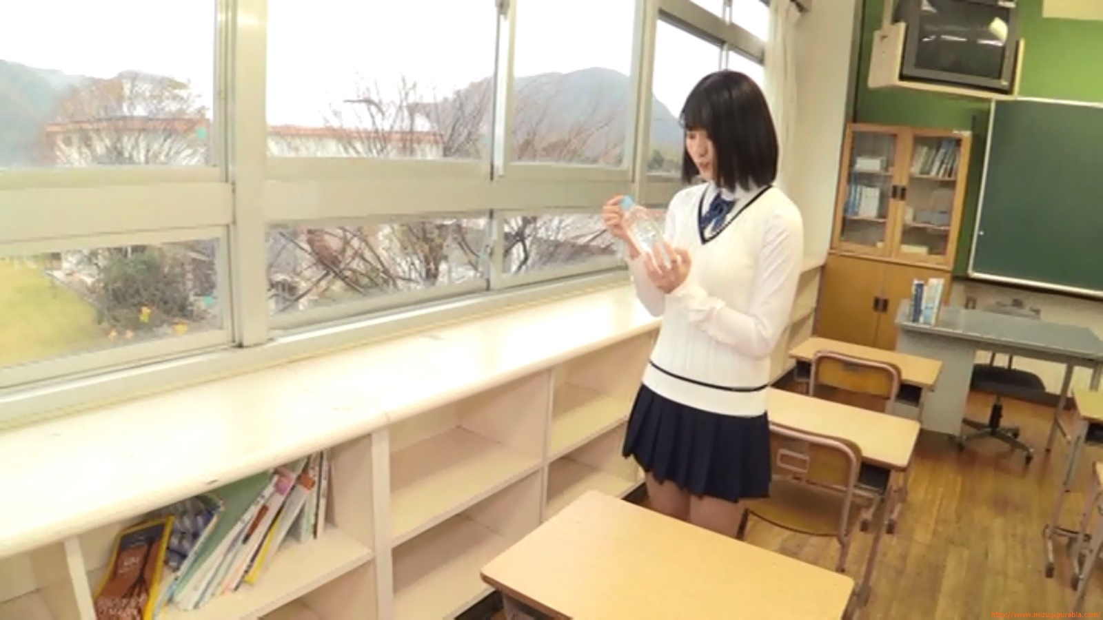Two-person classroom091
