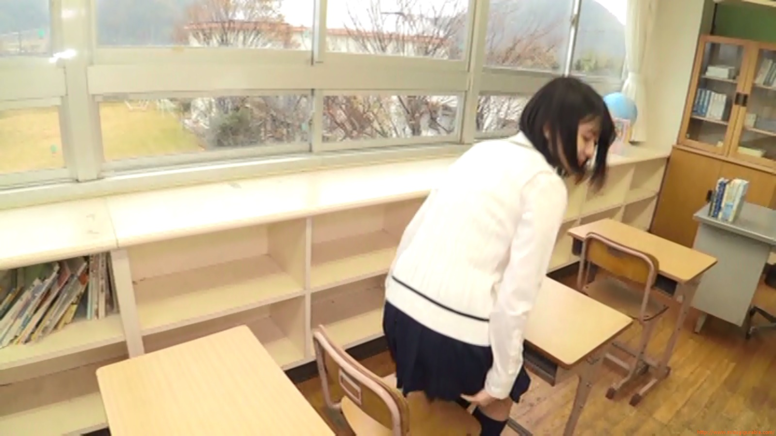 Two-person classroom096