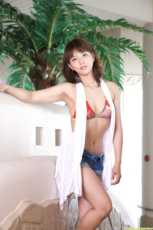 Marie Kais swimsuit038