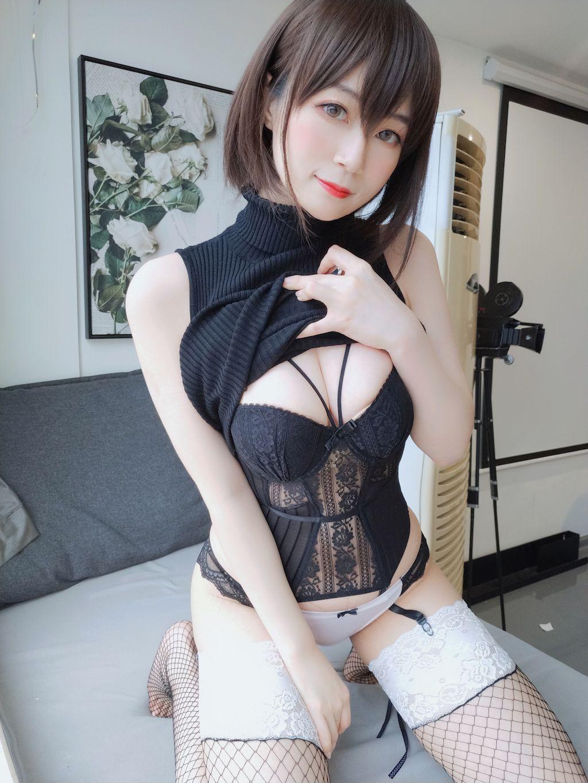Black hip wrap dress011