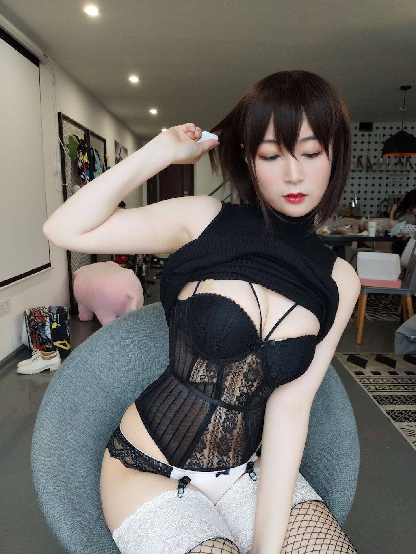 Black hip wrap dress018