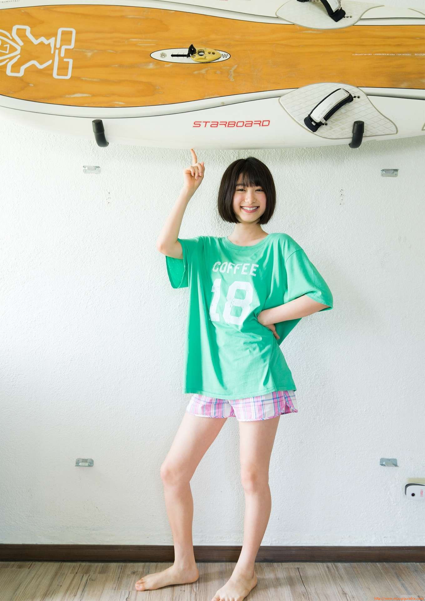 First swimsuit gravure of a beautiful girl of 16 years old topic007