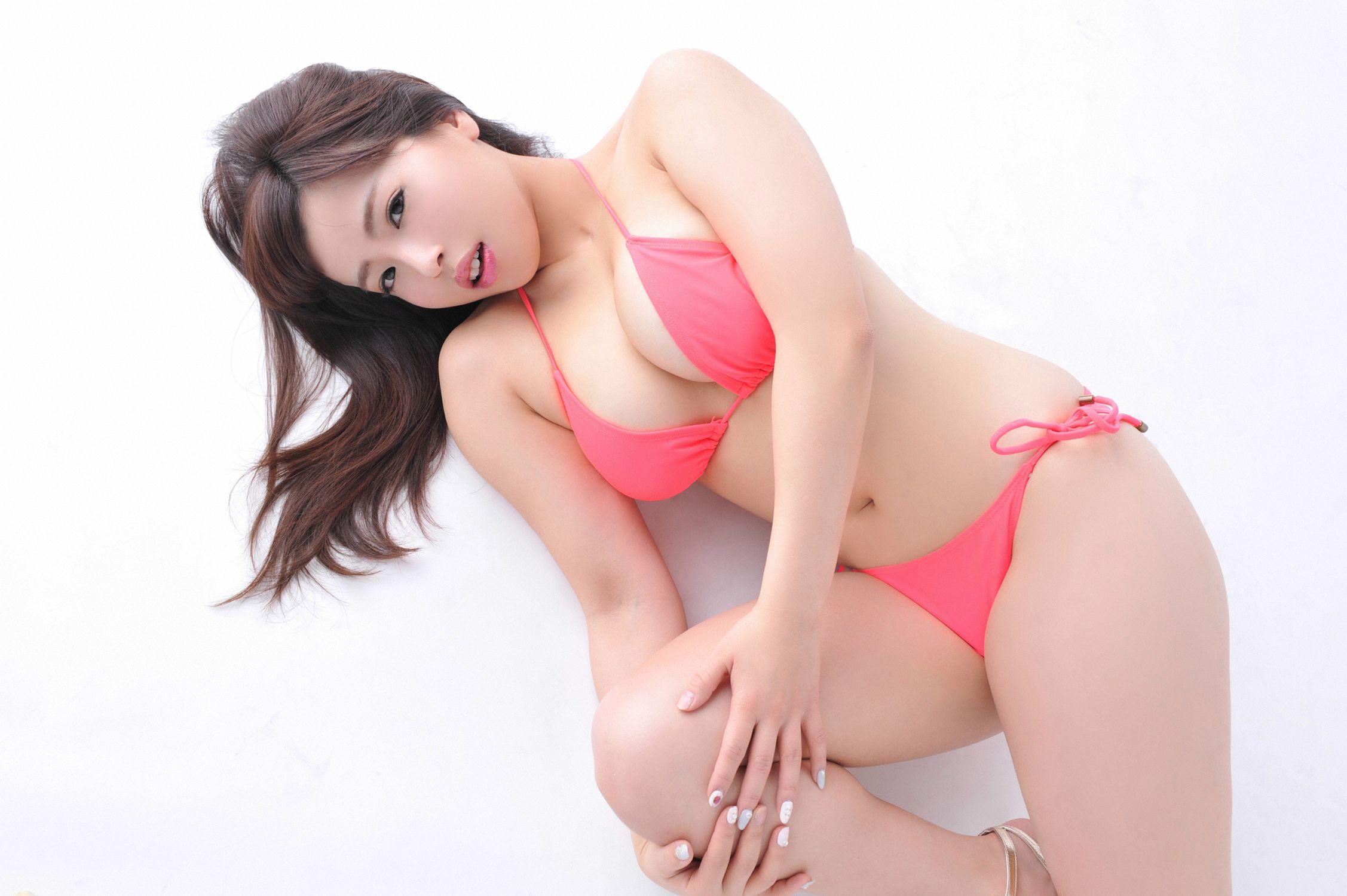 Shiraoka Minae061