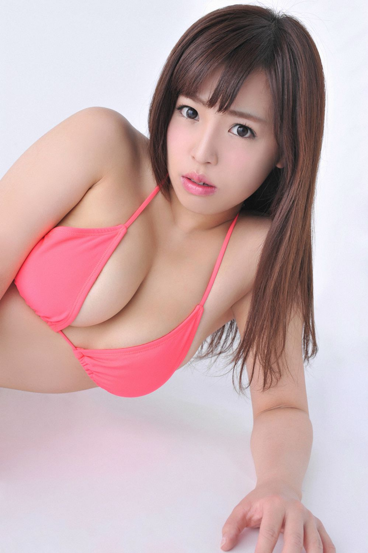 Shiraoka Minae064