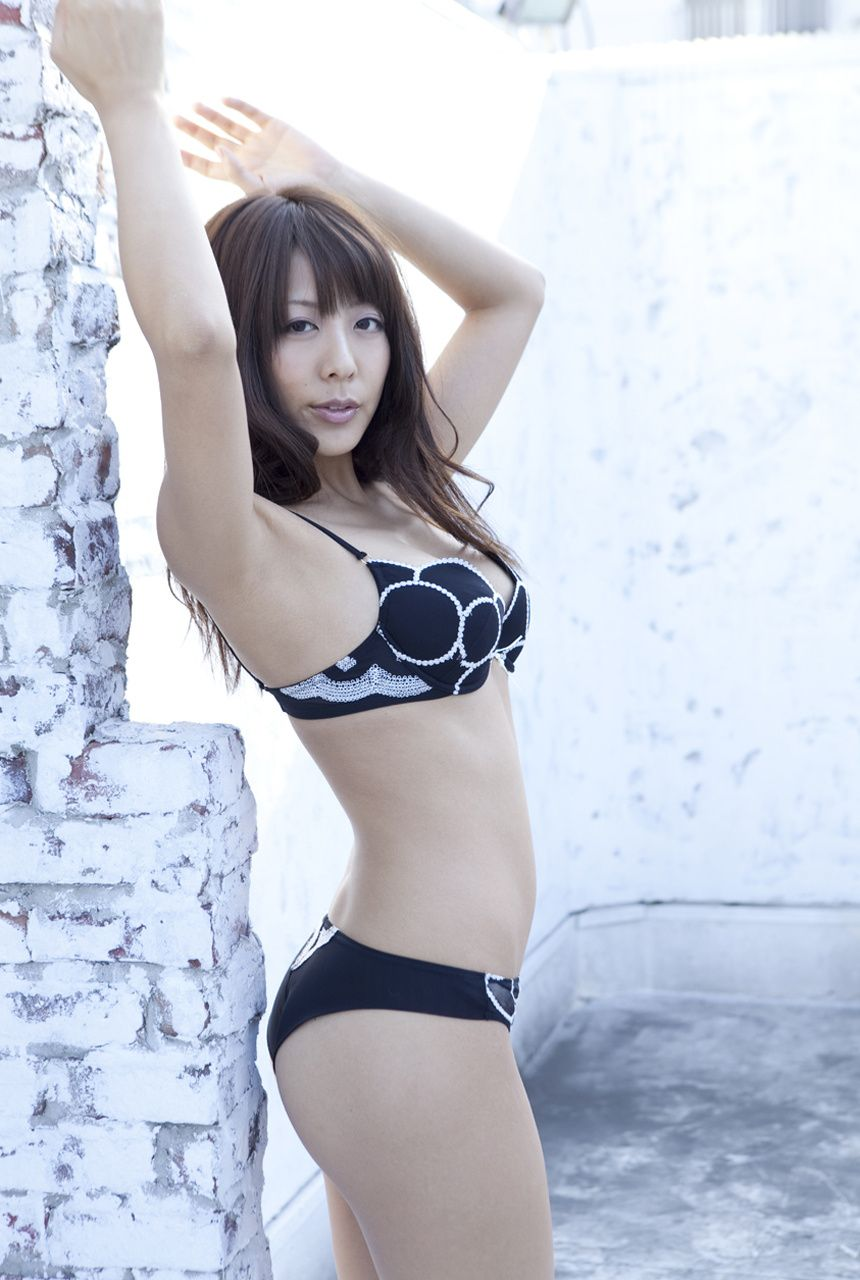 If an idols manager had gravure in a swimsuit020